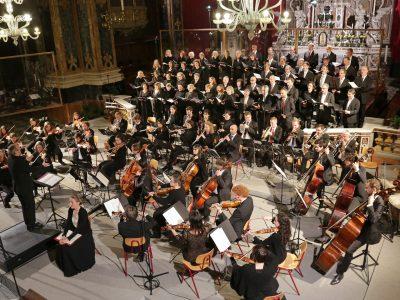 """Chor des Collegium Musicum Bruneck, Streicherakademie Bozen, ( Ltg. Georg Egger), Dirigent: Clau Scherrer / """"Verleih uns Frieden"""": Werke von Felix Mendelssohn / 09.11.2019 Dom Brixen"""